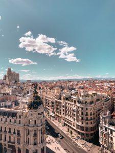 Madrid, Photo von Alev Takil auf Unsplash